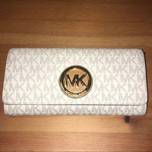 Michael Kors Leather Logo Wallet